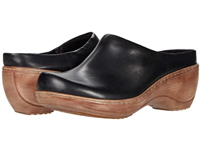 SoftWalk Madison (Black Leather) Women