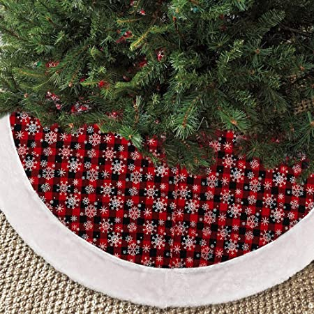 Amazon Com Northlight 60 Traditional Red And Green Velveteen Christmas Tree Skirt Home Kitchen