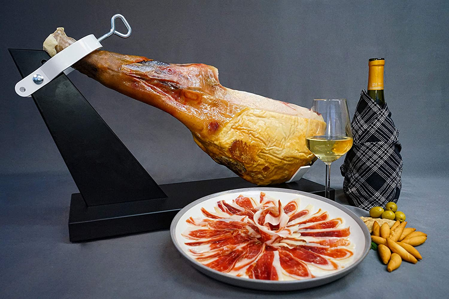 Bone-In Paleta Selling and selling Iberico de Industry No. 1 Bellota Carver by Holder+ Ham Fermin