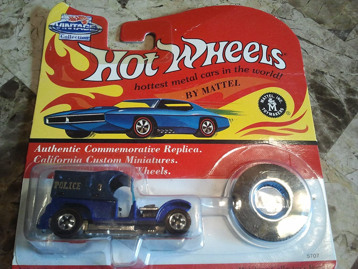 Hot Wtalons - 25th Anniversary Collector's Edition - Paddy Wagon (Couleurs Vary) - Basic Wheel Hubs - Authentic Commemorative Replica w Mat ng Collector's Button