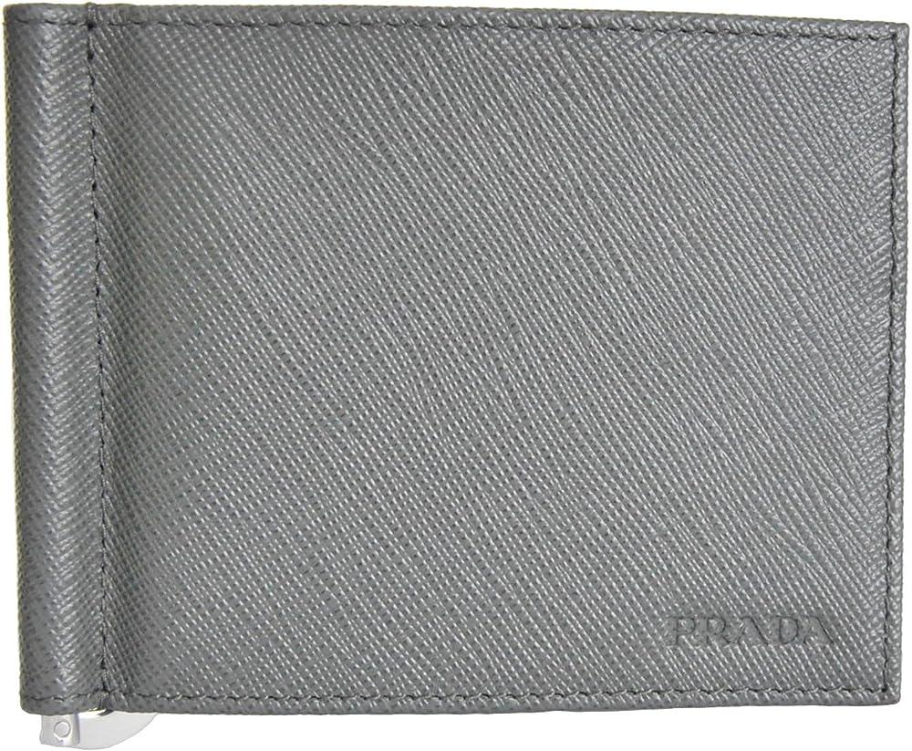 Prada, portafogli per uomo,  grigio, in vera pelle saffiano è impreziosito del tradizionale logo by prada 2MN077