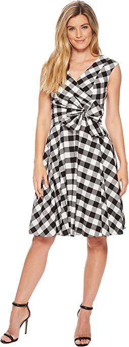 V-Neck Gingham A-line with Tie Waist CD8GXR3J