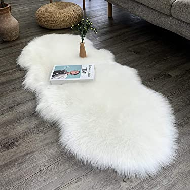 Dikoaina Classic Soft Faux Sheepskin Chair Cover Couch Stool Seat Shaggy Area Rugs for Bedroom Sofa Floor Fur Rug (White, 2ft x 4.6ft Sheepskin)