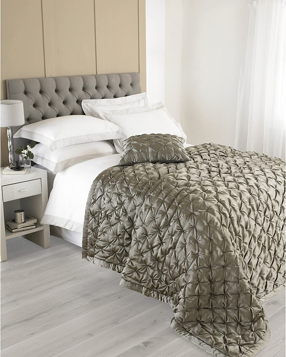 Riva Paoletti Limoges Grey Bedspreads 265 Cm X 265 Cm Polyester Full Amazon Co Uk Kitchen Home
