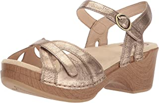 f66746b1cf4 Amazon.com  Gold - Platforms   Wedges   Sandals  Clothing