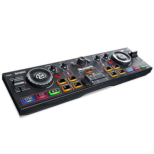 Numark DJ2GO2 - Controlador de DJ Ultraportátil de 2 Canales para Serato DJ Lite, Interfaz Audio Incorporada, Controles de Rendimiento de Pad, Crossfader y Rueda de Desplazamiento, Salida Auriculares