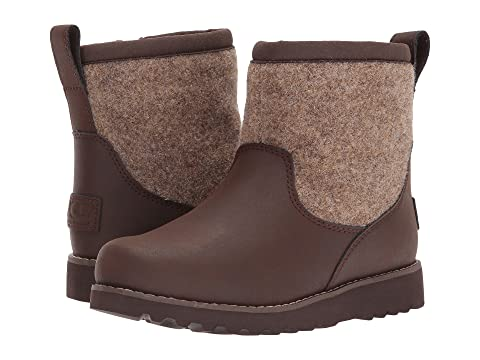 e0e783cb07e UGG Kids Bayson II (Toddler/Little Kid/Big Kid) at 6pm