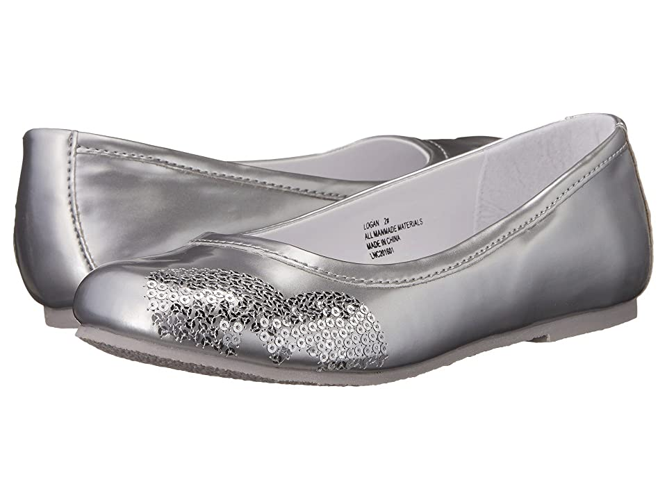 W6YZ Logan (Little Kid/Big Kid) (Silver) Girls Shoes