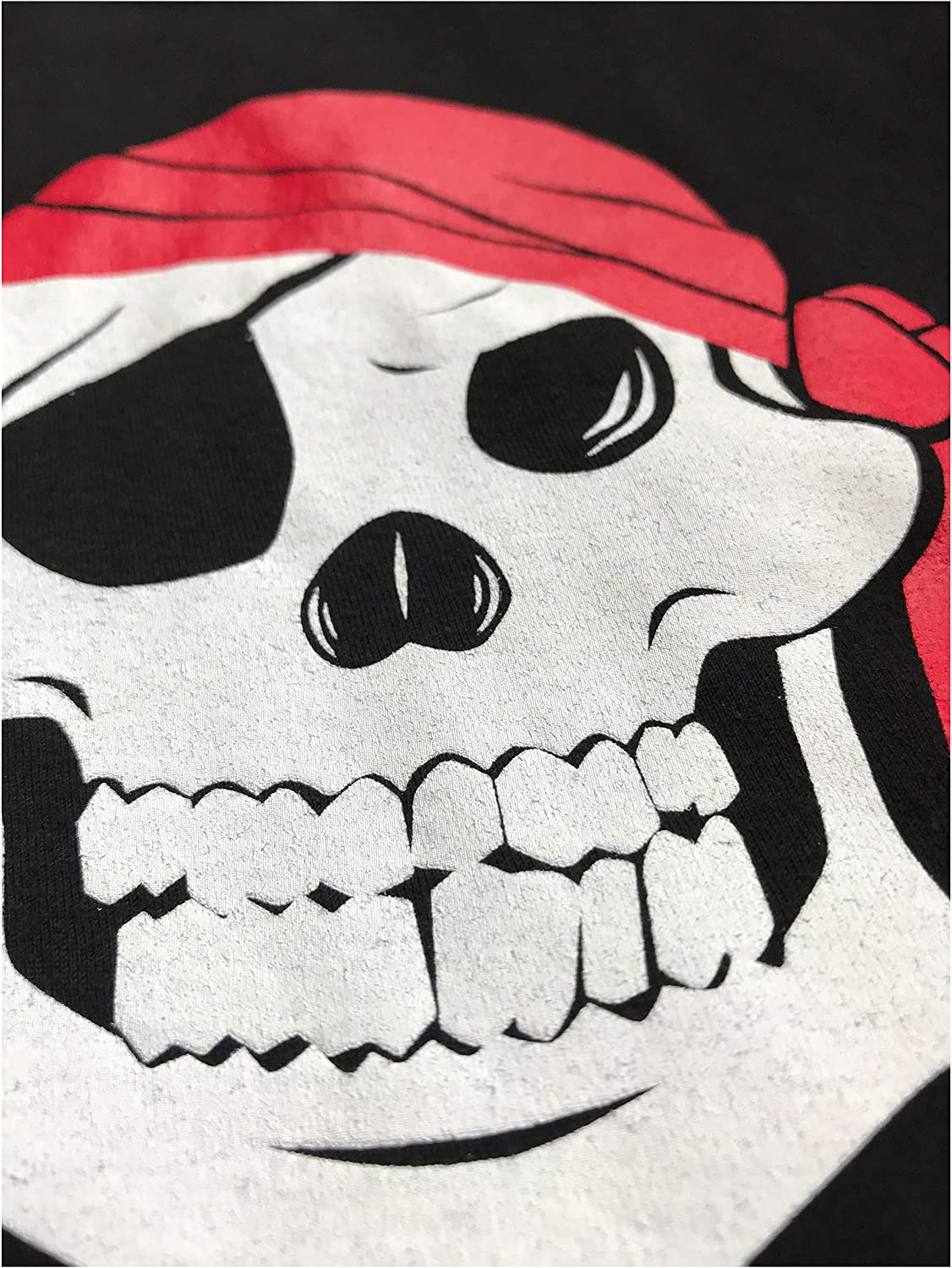 Skull /& Crossbones Buccaneer Costume Unisex T-Shirt Jolly Roger Pirate Flag