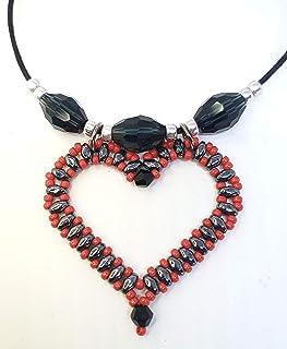 Collar artesanal, corazón tejido San Valentín
