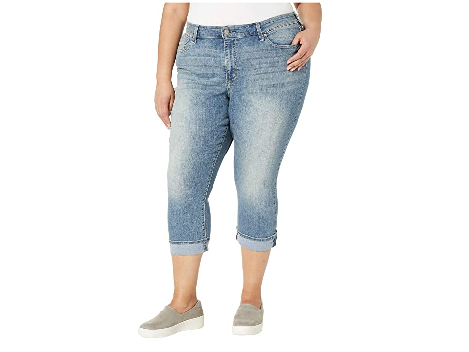 Signature by Levi Strauss & Co. Gold Label Plus Size Mid-Rise Capri Jeans (Oasis Sig Gold) Women