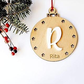 Bola de madera de haya personalizada con inicial en relieve, ornamento para el árbol de Navidad