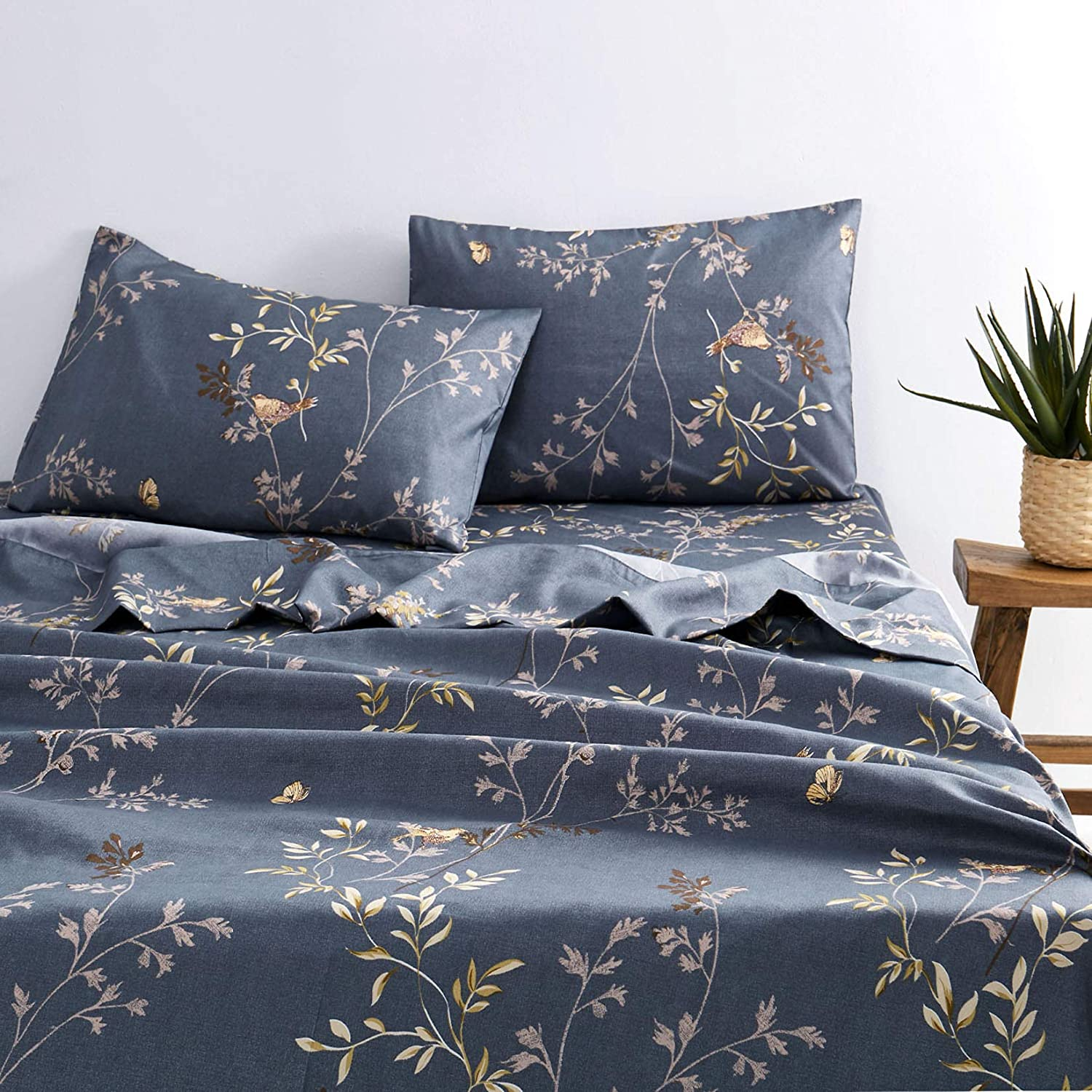 Wake In Cloud - Ranking integrated 1st place Gray Sheet Surprise price Leaves Patt Set Floral Birds Flowers