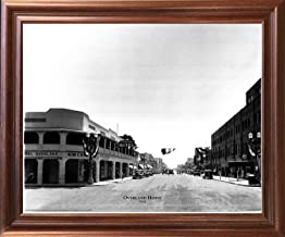 Impact Posters Gallery Framed Wall Decoration Las Vegas, Overland Hotel 1930 Vintage Motor Car Old City Black and White Mahogany Framed Art Print Picture (18x22)