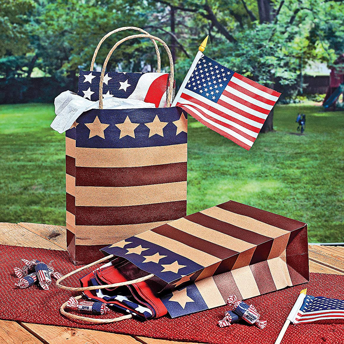 Fun Express - Med Americana Craft Bags for Fourth of July - Party Supplies - Bags - Paper Gift W & Handles - Fourth of July - 12 Pieces
