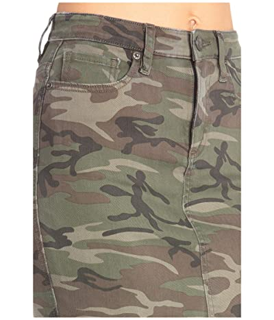 Miss Me Vintage Camo Mid-Rise Skirt (Camo Green) Women