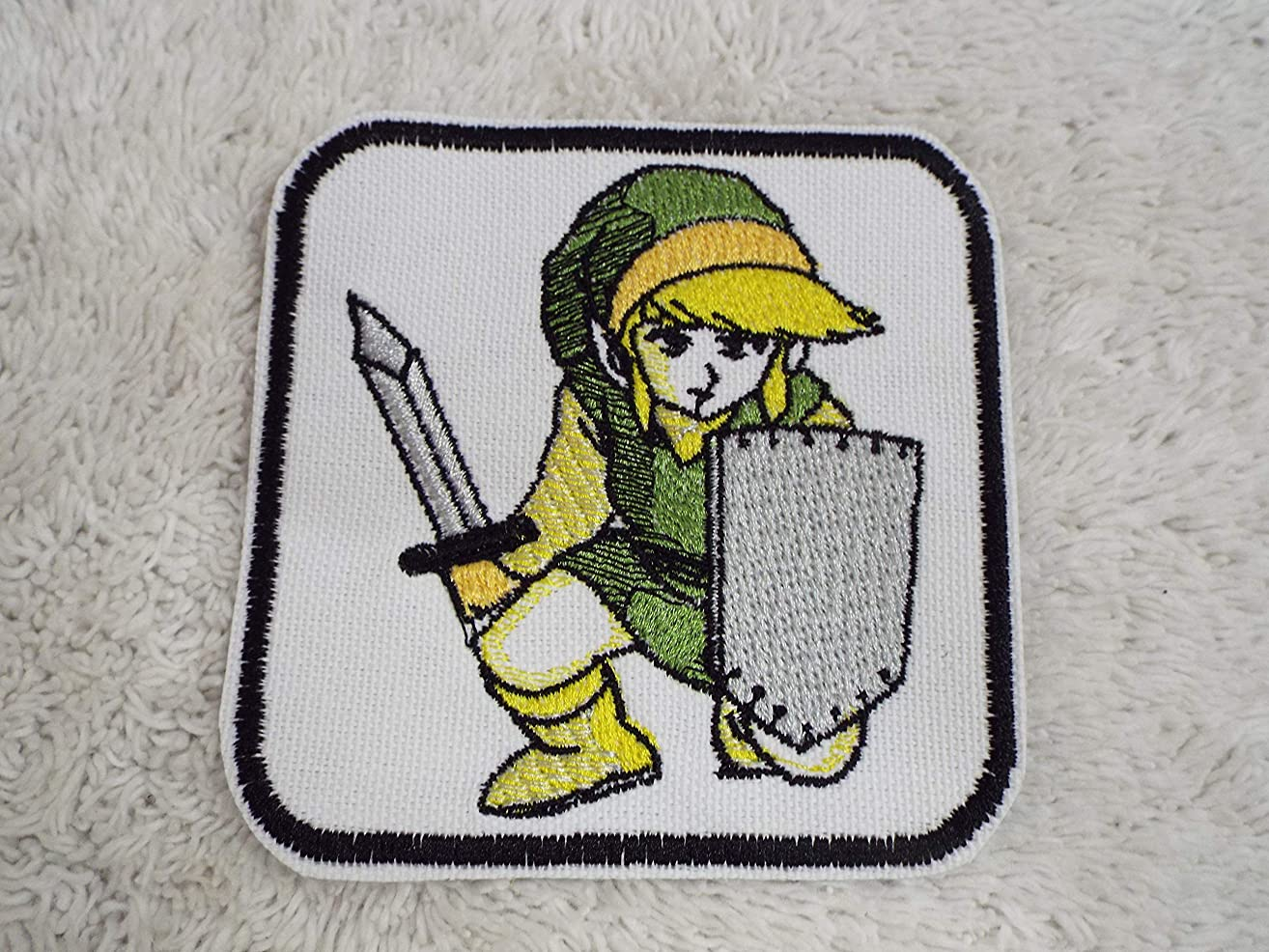 Legend of Zelda Game Green LINK Kneeling Sword Embroidered Iron-on Patch