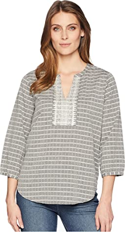 Printed Long Sleeve Blouse with V-Neckline and Open Hem