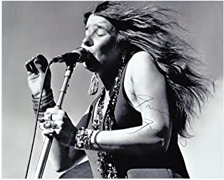 JANIS JOPLIN, 8 X 10 PHOTO AUTOGRAPH ON GLOSSY PHOTO PAPER