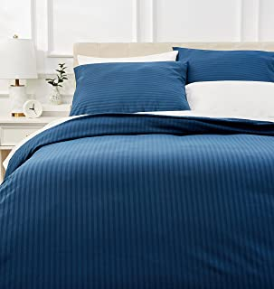 Amazon Basics Parure de lit avec housse de couette haut de gamme avec deux taies d'oreiller, 230 x 220 cm, Bleu marine