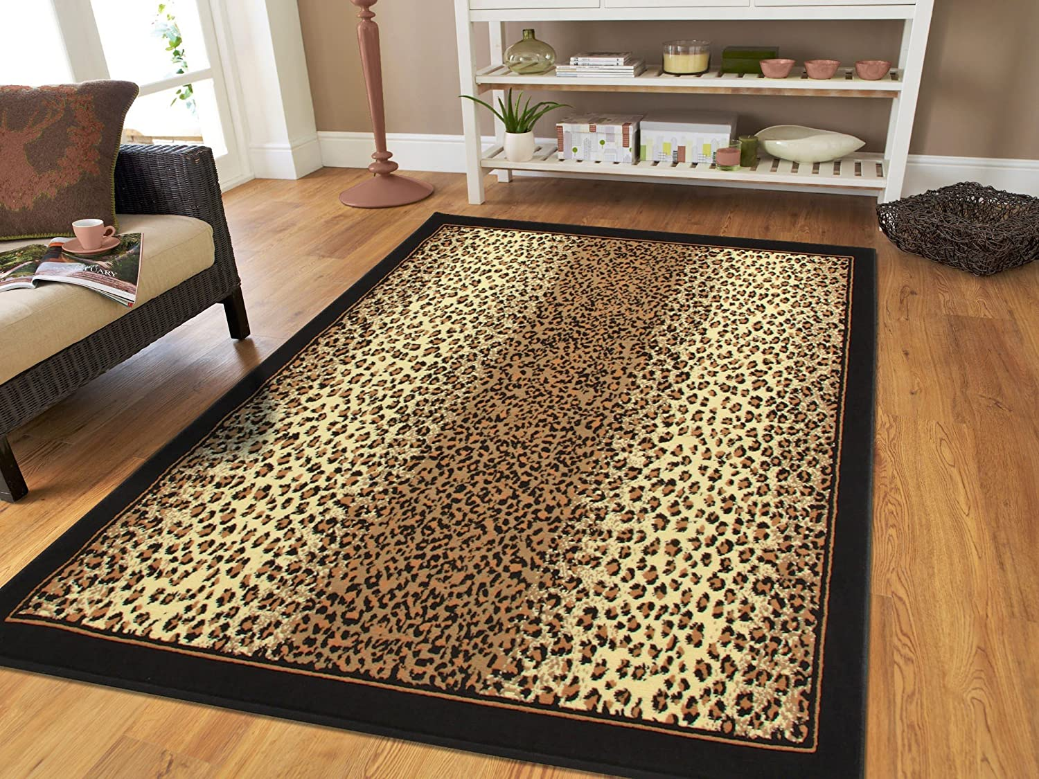 Amazon Com Brown Checkered Cheetah Rug Animal Print Rectangle Leopard Rug 5x7 Rug Brown Black Cream Rugs Leopard 5x8 Modern Rugs For Living Room Medium 5 X8 Rug Furniture Decor