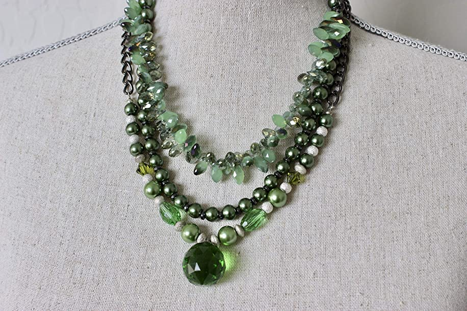 Emerald Crystals Pendant Necklace Green Pearls Crystals Necklace Three Strands Silver Crystal Emerald Pendant Necklace