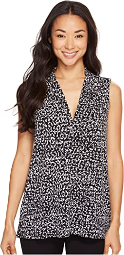 Sleeveless Fluttering Notes V-Neck Top with Seam