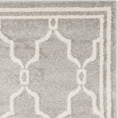 Tapis rectangulaire d'intérieur/extérieur treillis tissé , , AMT414, en gris clair / ivoire, 122 X 183 cm pour le jardin, le patio ou tout autre espace extérieur par SAFAVIEH.