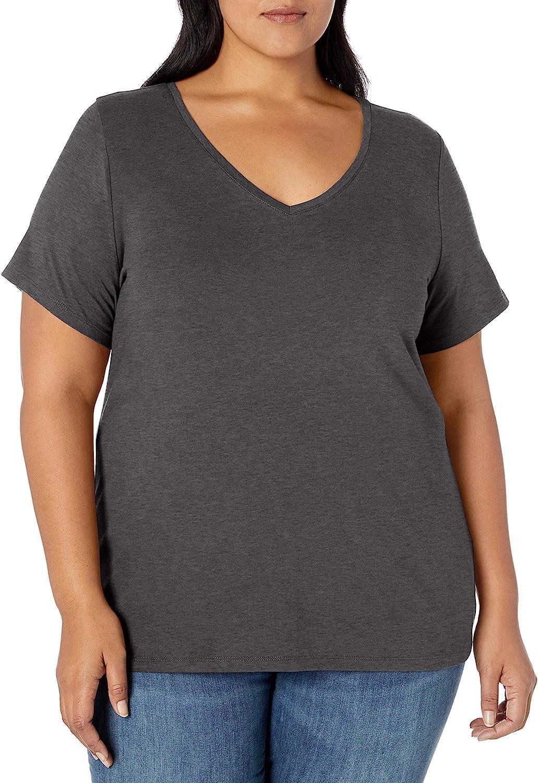 Amazon Essentials Women's Plus Size Short-Sleeve V-Neck T-Shirt