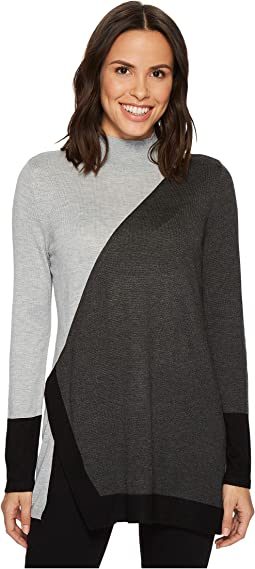 Vince Camuto - Long Sleeve Color Blocked Turtleneck Tunic Sweater