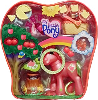 My Little Pony G3: Picnic Celebration with Applejack includes: Special Pony Charm