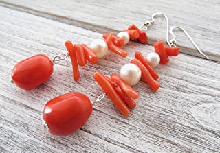 Orecchini con corallo arancione e perle, pendenti in argento 925 lunghi, gioielli moderni, bijoux contemporanei, regalo pe...