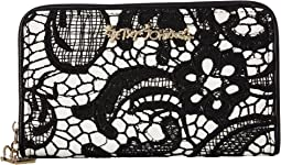 Betsey Johnson - Lady Lace Wallet