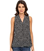Vince Camuto - Sleeveless Speckle Pop V Blouse w/ Front Pleat