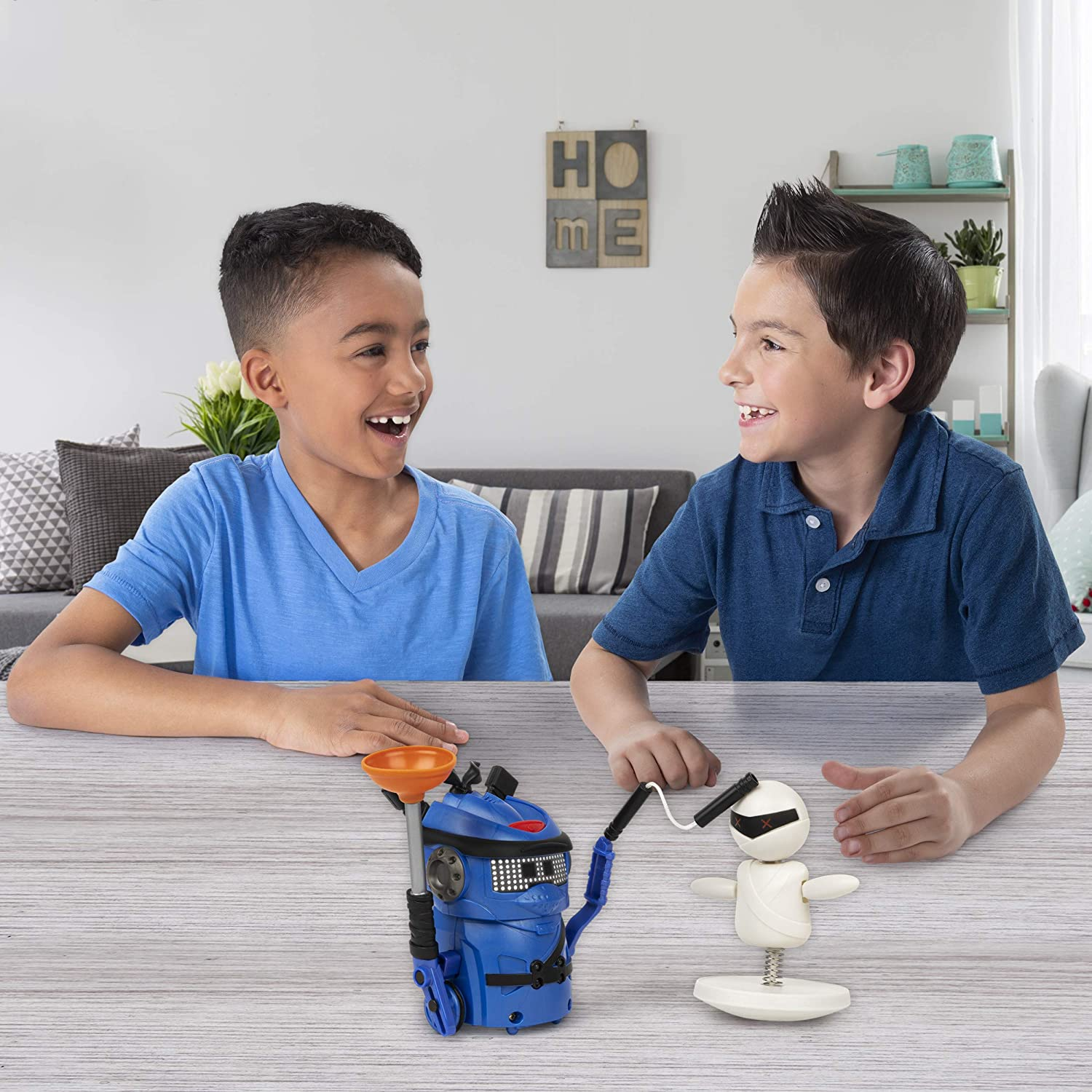 Ninja Bots Battling Robots - Kids watching the fighting actions of the toy