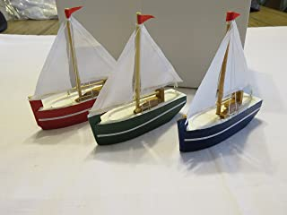 Beachcombers SS-BCS-02930 Sail Boat Figures (Set of 3)