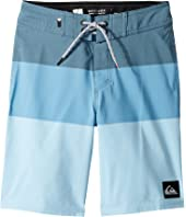 Quiksilver Kids - Highline Blocked Vee 17 Boardshorts (Big Kids)