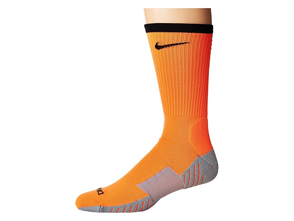 Nike Stadium Football Crew (Total Orange/Black) Crew Cut Socks Shoes