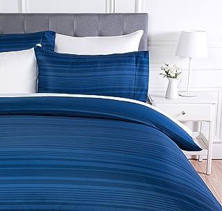 Amazon Basics - Juego de funda nórdica de microfibra ligera de microfibra, 260 x 220 cm, Azul real raya (Royal Blue Calvin Stripe)