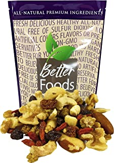 Raw Superfoods Trail Mix - Nuts and Berries (Goji Berries, Golden Berries, Mulberries, Raisins, Brazil Nuts, Cashews, Waln...