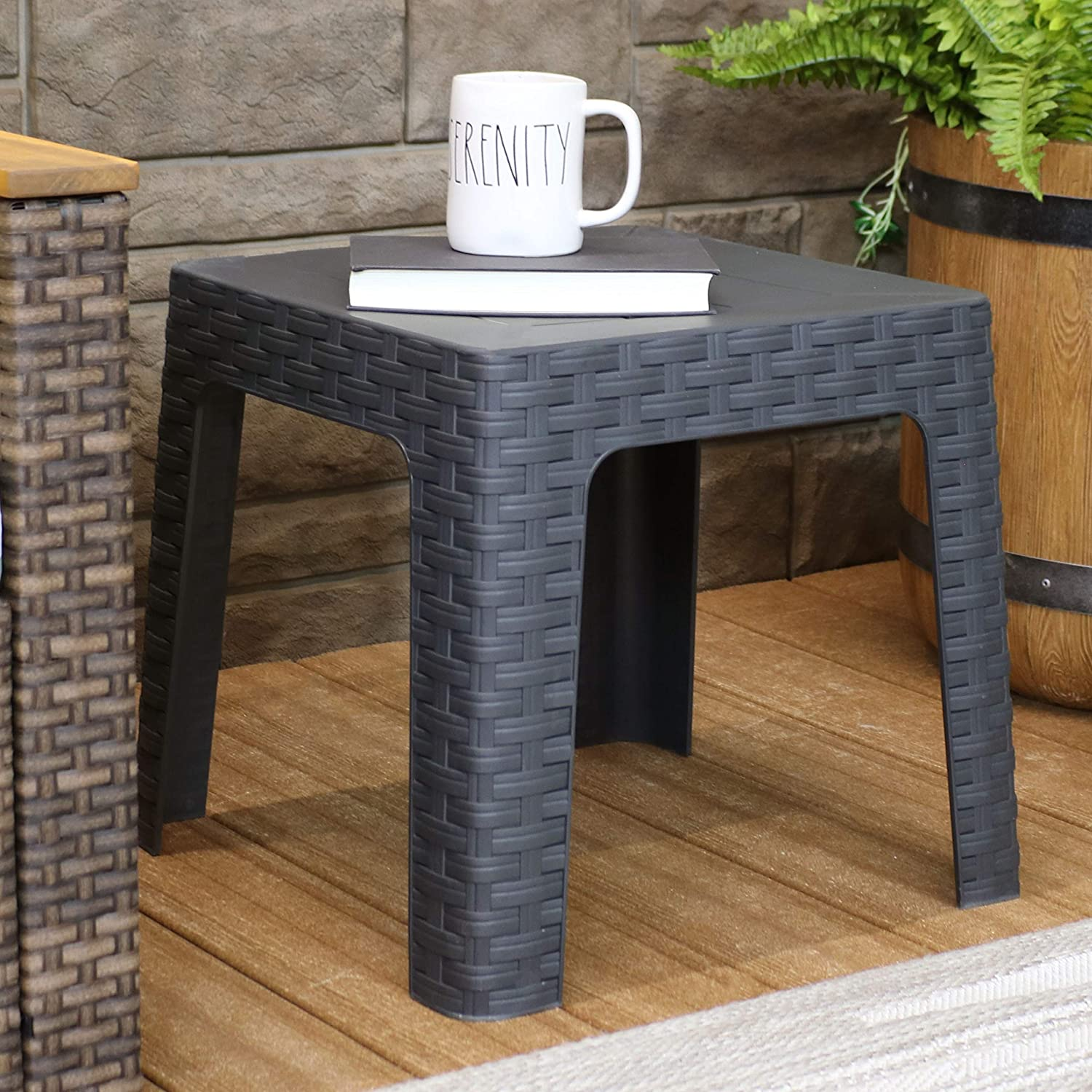 Porch Backyard and Sunroom 18-Inch Square Balcony Brown Garden Indoor//Outdoor Plastic Accent Furniture for Deck Sunnydaze Patio Side Table Yard