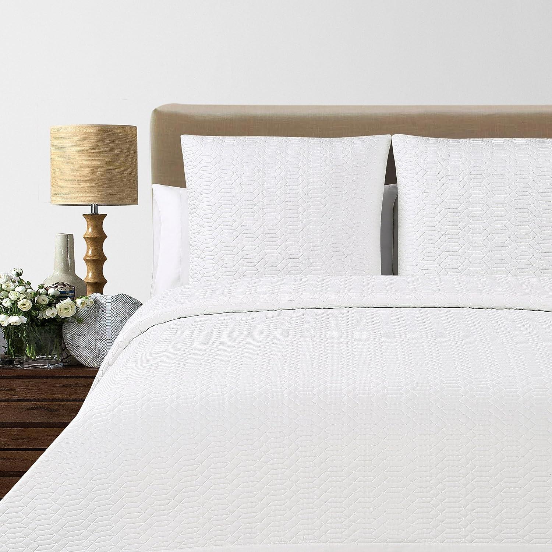 Echelon Home Laguna Quilted Cotton Blanket, King, White