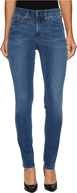 Alina Legging Jeans in Smart Embrace Denim in Noma