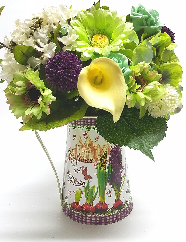 Superbe Composition florale en Grande cruche à lait en métal Ivoire, Citron vert et violet. Idéal pour la fête des mères ou de votre maison.