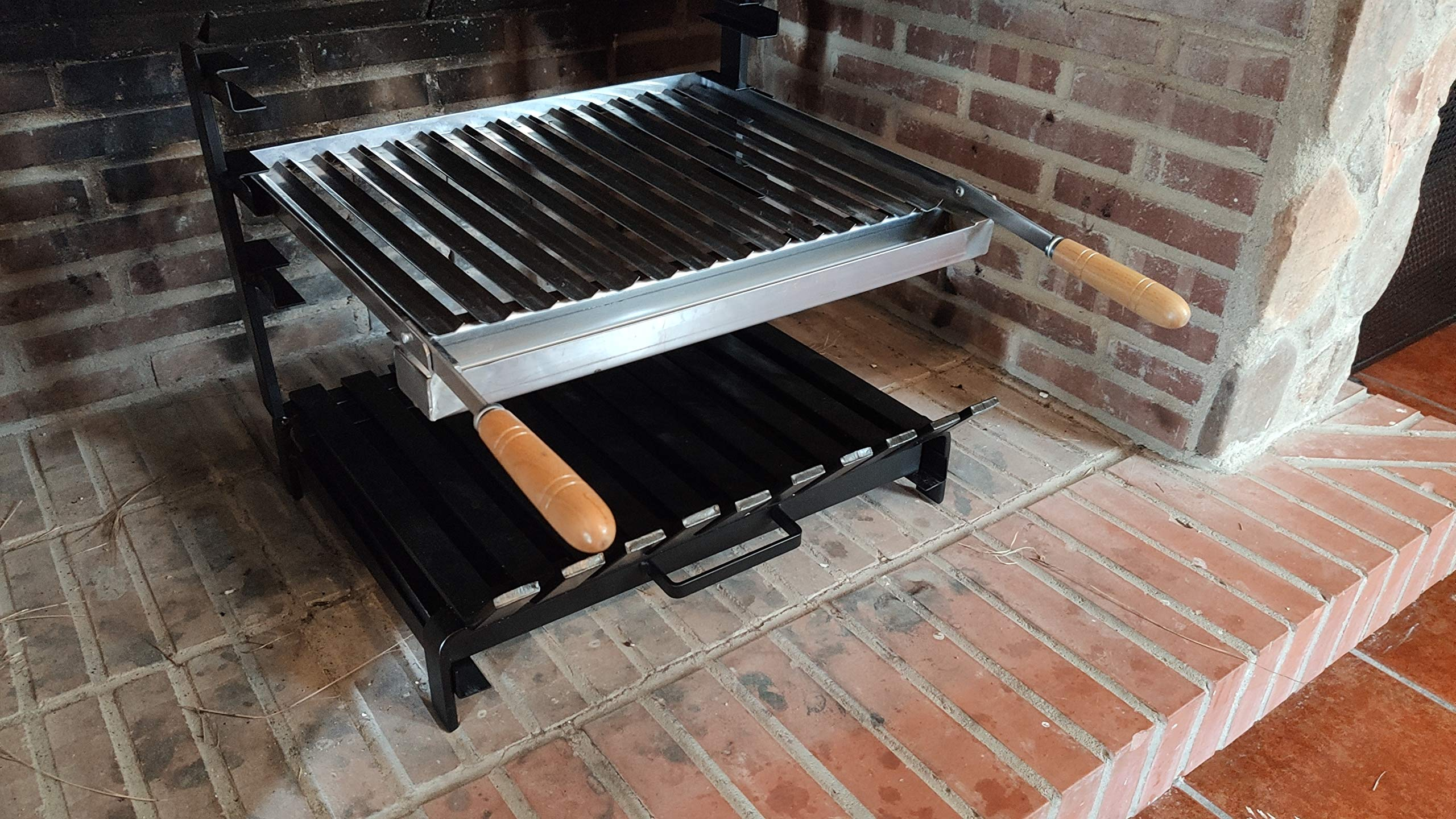 Parrilla Argentina Inox con Recoge-grasas para Barbacoas de Obra y Suelo de Chimenea | Asador Portátil de 3 Alturas con Cajón Recoge-cenizas | Para Carbón o Leña y sus medidas son 500x450x400mms: