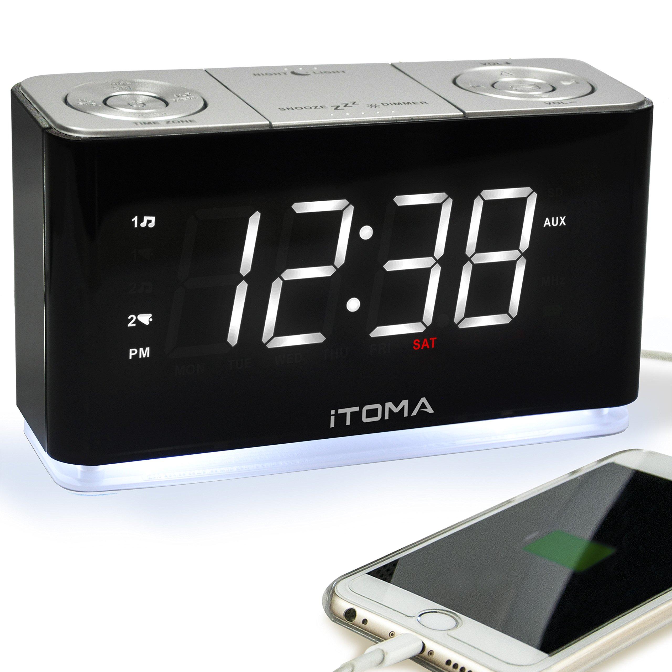 itoma 闹钟收音机,数码 FM 收音机,双报警,手机 USB 充电端口,夜灯,自动 & 手动调光器, SNOOZE ,睡眠计时器,自动时间设置, AUX-IN ,备份电池( cks507)