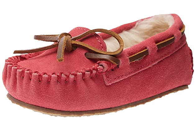 3ac653a2a4fb Minnetonka Cassie Slipper (Toddler Little Kid Big Kid)