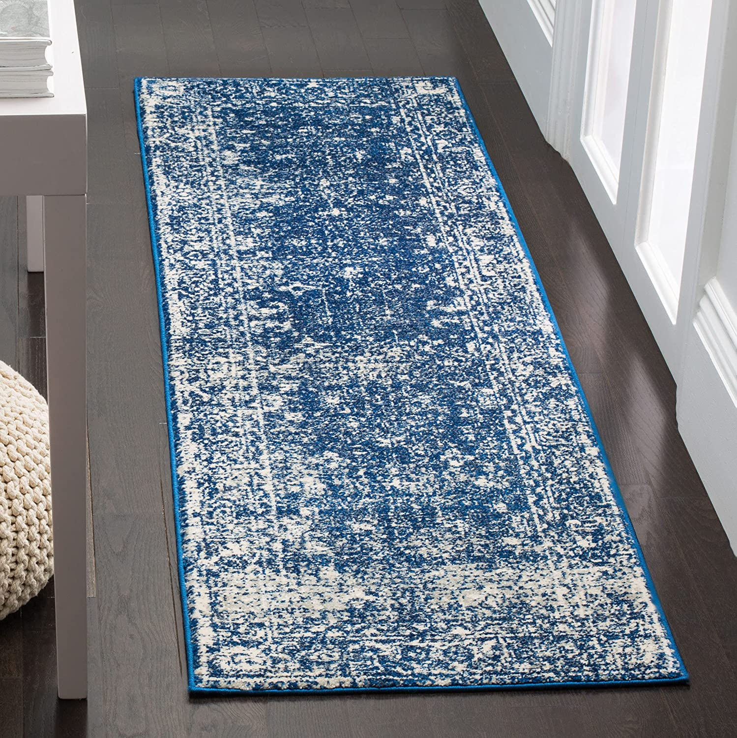 Safavieh Max Selling and selling 58% OFF Evoke Collection EVK270A Distressed Non-She Shabby Chic