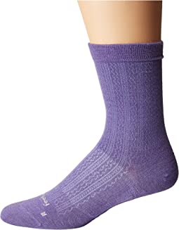 Feetures - Texture Ultra Light Crew Sock