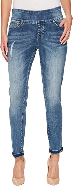 Amelia Slim Ankle Pull-On Jeans in River Wash